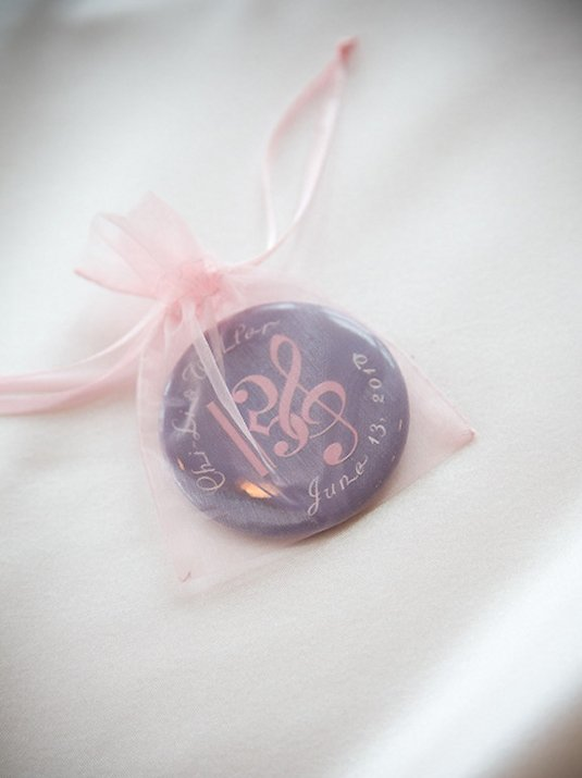 custom wedding favor